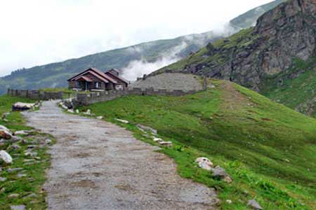 Kerala to Manali tour packages