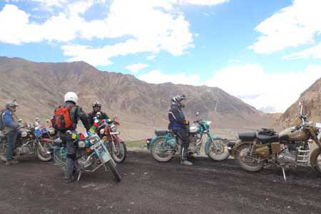 Lucknow to Manali tour packages