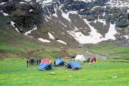 Manali honeymoon packages from Vadodara