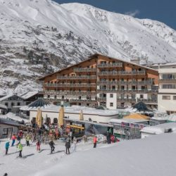 Manali tour package from Jalandhar 2 Nights 3 Days by Car