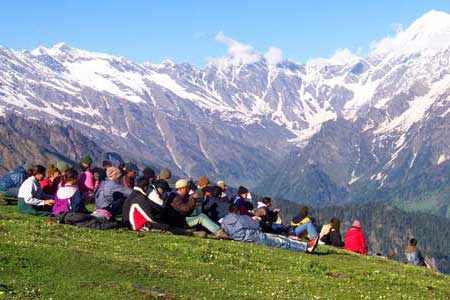 Manali tour packages from Indore