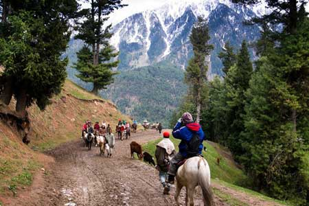 Manali tour packages from Mumbai